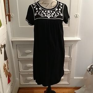 Old Navy black embroidered dress Sz SP